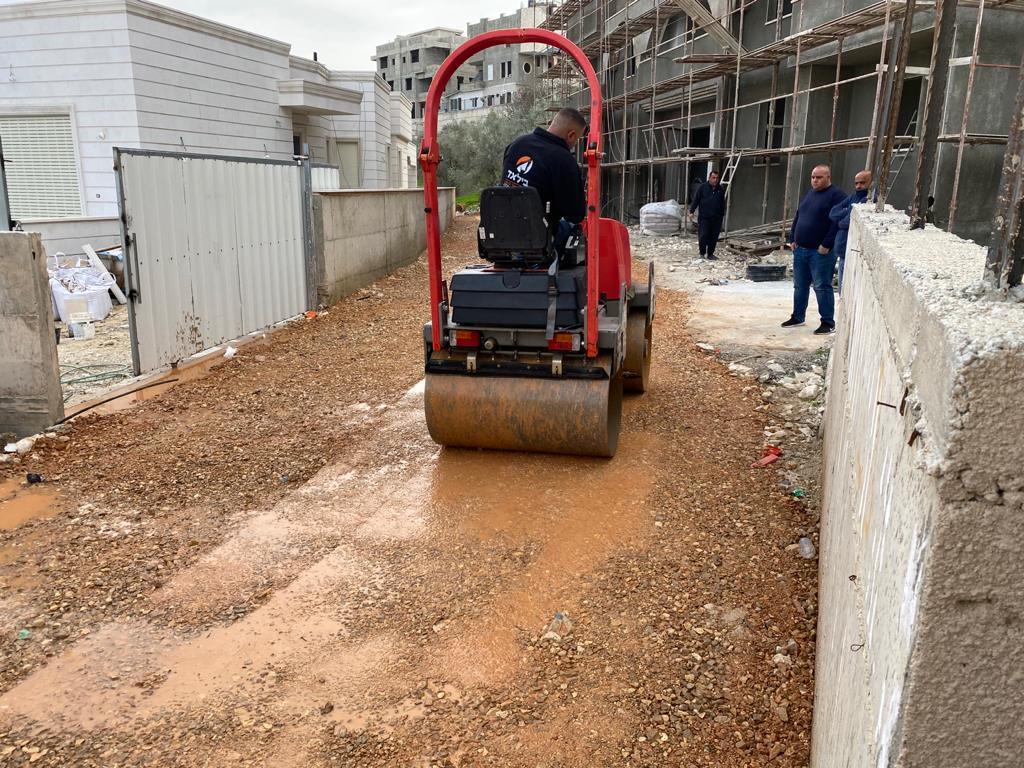 المجلس المحلي مستمر بتنفيذ مشاريعه في قرى طلعة عارة.